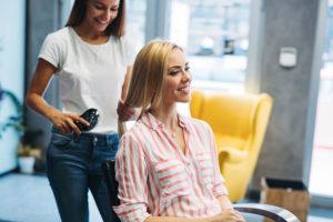 Najlepszy fryzjer i kosmetyczka w Warszawie? Wiemy, jak ich znaleźć!