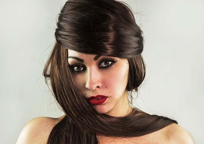 Jak można w prosty sposób zagęścić włosy?