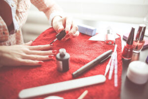 Kompletujemy swój pierwszy zestaw do manicure hybrydowego